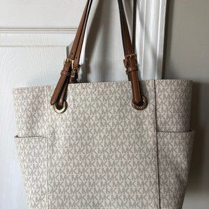 Micheals Kors Handbag